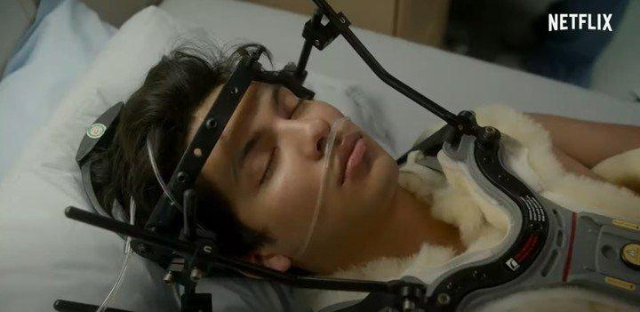 Miguel Díaz (Xolo Mariueña) fue víctima de una pelea feroz entre los Cobra Kai y los Miyagi-Do. Foto Netflix